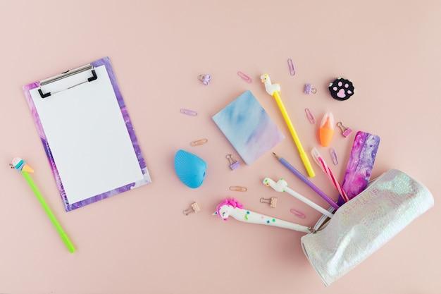 ユニコーンペン、ピンクのラマ鉛筆で学校の文房具