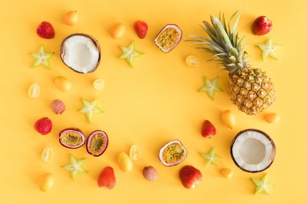 Летняя фруктовая композиция