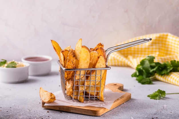 Картофель фри с пряностями