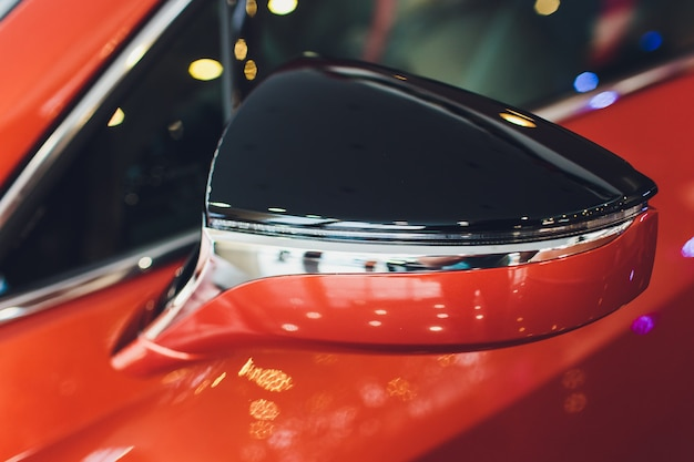 自動車展示新車バックミラー