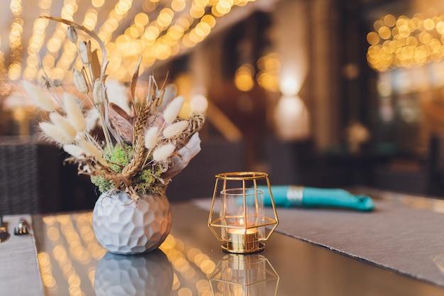 レストランの美しいテーブル