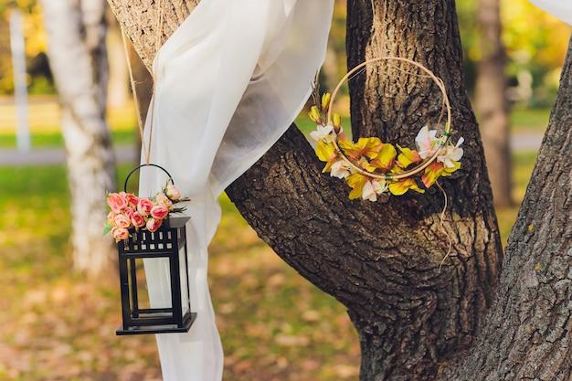 結婚式のイベントの装飾ツリー