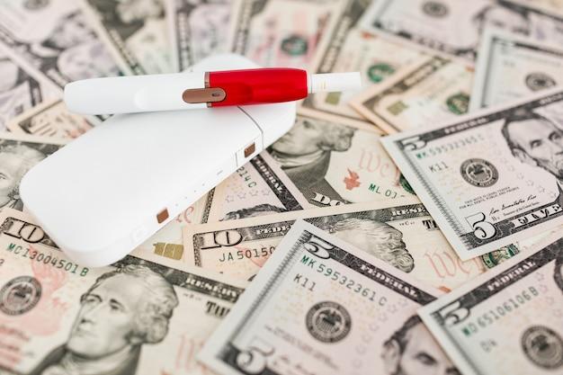 紙幣の電子タバコシステム