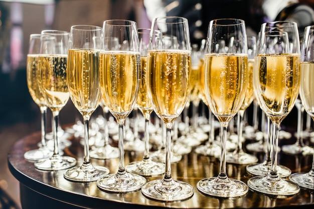 シャンパンでの新年のお祝い。