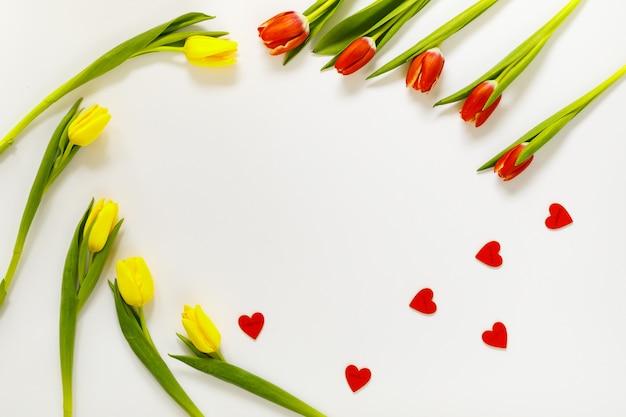 心で素敵なチューリップの花の組成