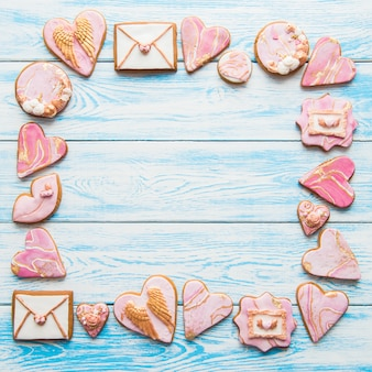 心、封筒、青の唇とバレンタインクッキーフレーム