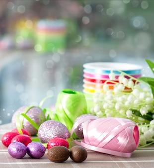 チョコレートの卵と春の花