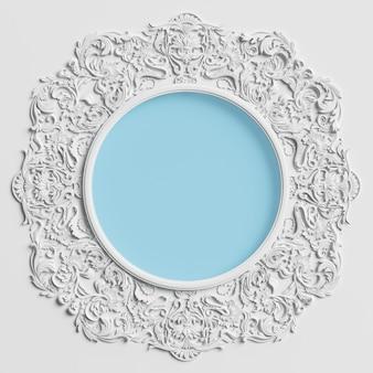 飾りの装飾と白い壁の中央に青い円の古典的なラウンドフレーム