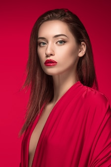 ファッションの女性の肖像画。美しいモデル。