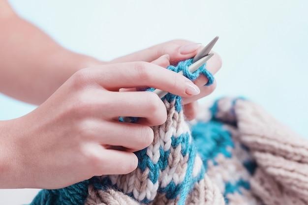 Концепция хобби - вязание