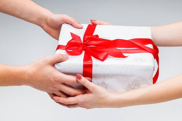 プレゼントを贈る・受け取る