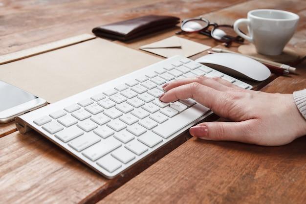 付属の作業用デスクトップ
