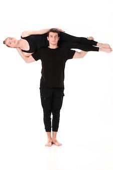 Буква т, образованная телами гимнастов