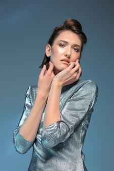Мода женский портрет. красивая модель.