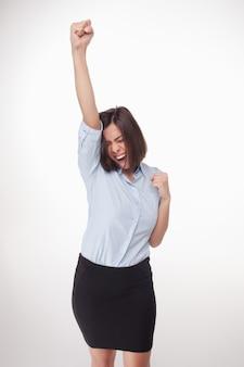 Успешная деловая женщина на белом