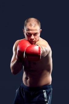 若いボクサーボクシング