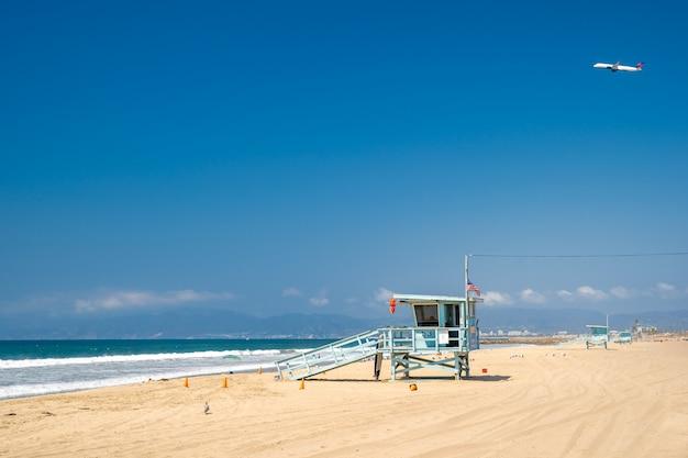 Возьми береговые часы на берегу океана