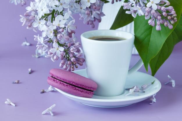 コーヒーとライラックの磁器カップ