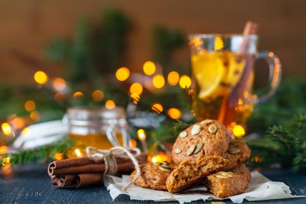 Новогоднее украшение и освещение