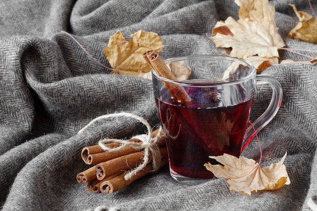 ホットグリューワインとスパイスのある秋の時間