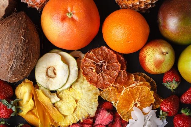 Домашние сушеные ягоды и фрукты, урожай на зиму
