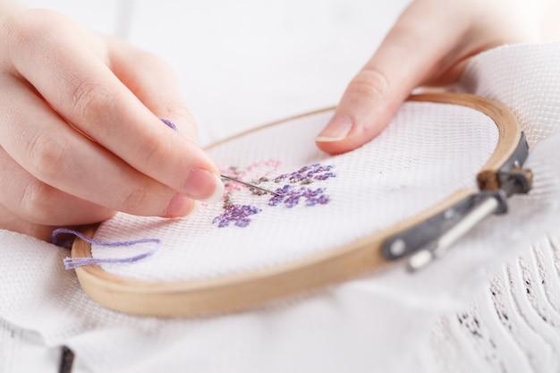 Аксессуары для вышивания и вышивки крестом.