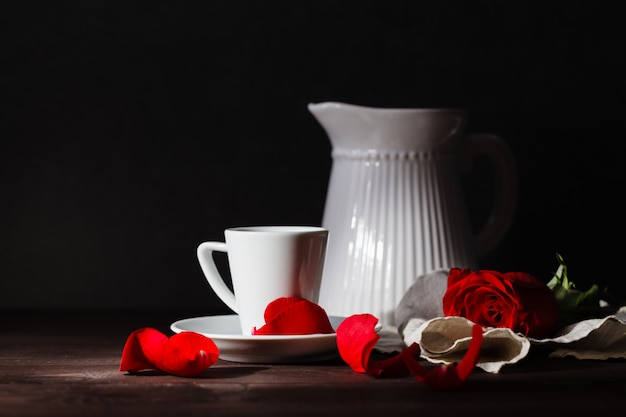 Романтический завтрак рано утром