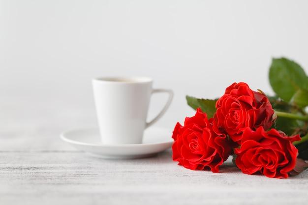 Чашка кофе от любовника на день святого валентина