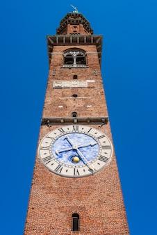 Башня с часами базилики палладиана в виченце