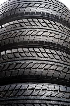車のゴム製タイヤの踏面