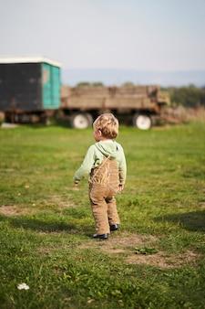 Деревенский мальчик