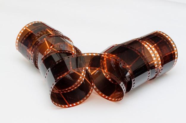 Фотопленка в рулоне с белым фоном