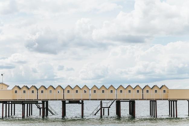 Купальные хижины в хельсингборге, швеция.