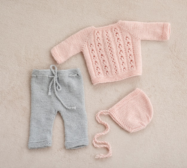 ニットの新生児服