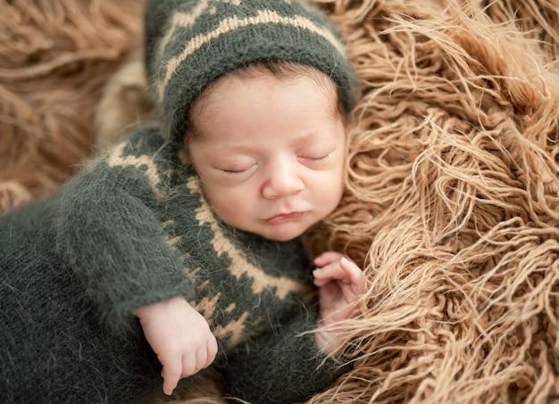 かわいい新生児休憩