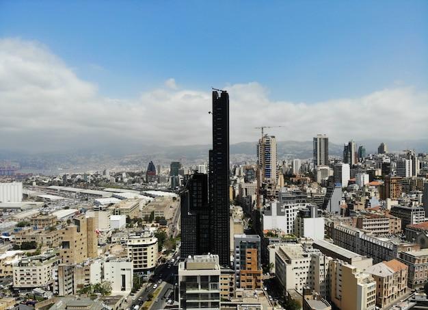 レバノンの上からの眺め。ベイルート-大きくて美しい首都。