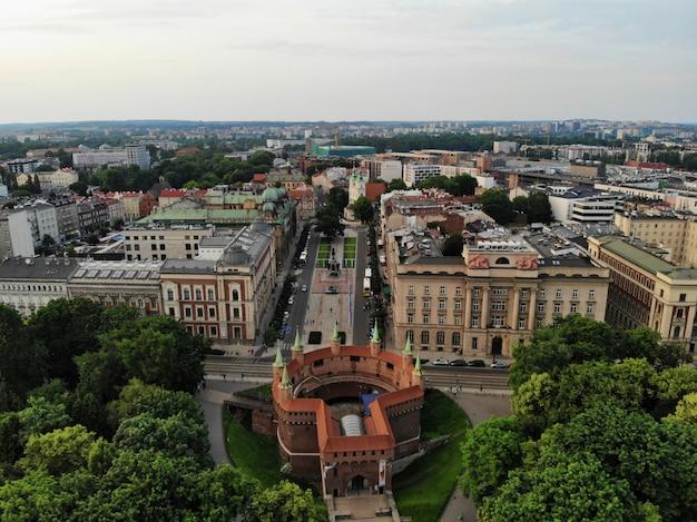 ドローンからの空中写真。旧市街、クラクフ、ポーランド