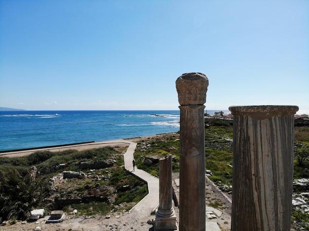 レバノンの上からの眺め。古代のタイヤ都市
