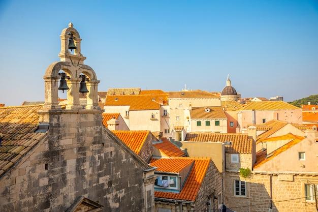 クロアチア、ドブロブニクの小さな礼拝堂の鐘楼