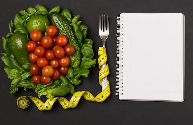 Концепция здорового питания, диеты, похудения и потери веса.