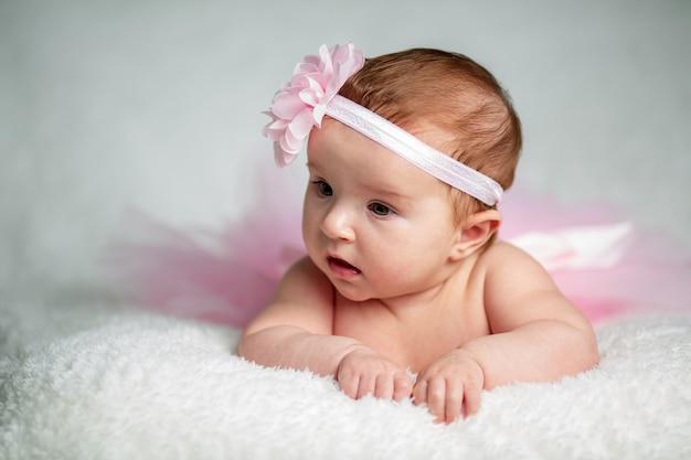 かわいい赤ちゃんの少女の肖像画