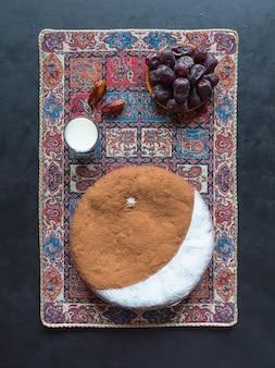 自家製の日付ケーキ。ラマダンの特別なレシピ。