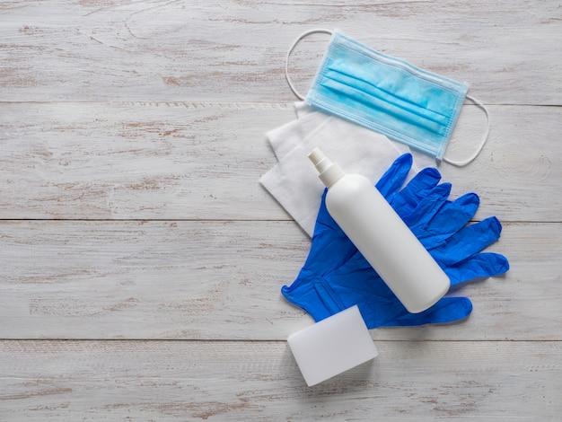 Средства индивидуальной медицинской защиты, маски, стерильные перчатки и дезинфицирующие средства для защиты от вирусов
