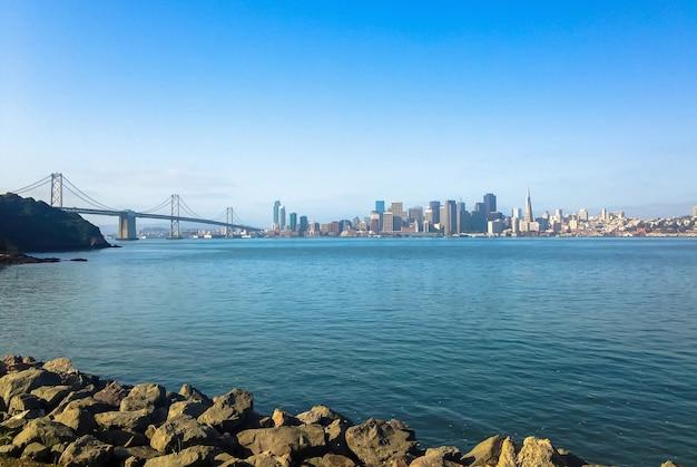 サンフランシスコのゴールデンゲートブリッジのパノラマビュー。