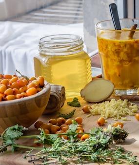 海クロウメモドキと蜂蜜のホットカクテルレシピ