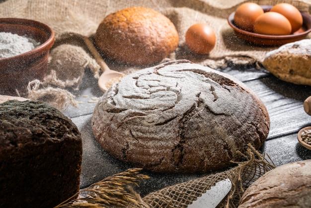Цельнозерновой хлеб из цельнозерновой муки