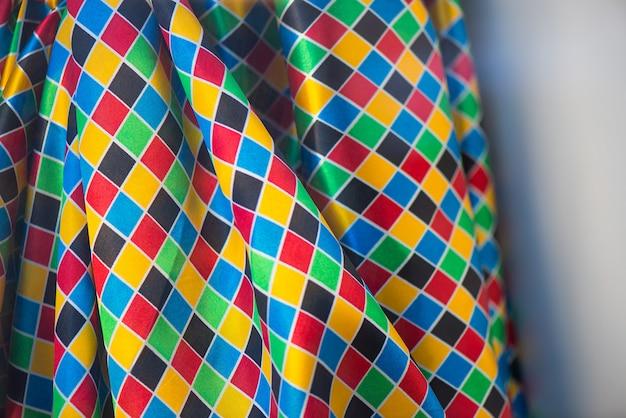 さまざまな色の布