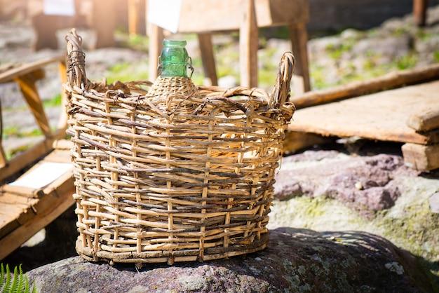 籐の古代ワインダマスク