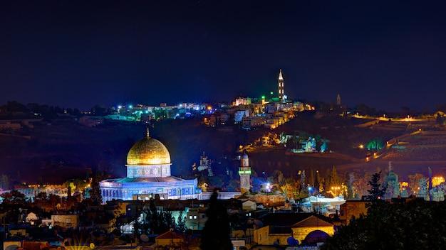 夜のエルサレム