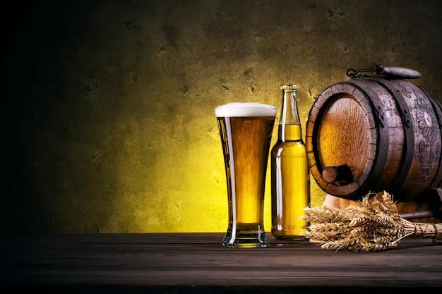 Высокий стакан пива из кеги